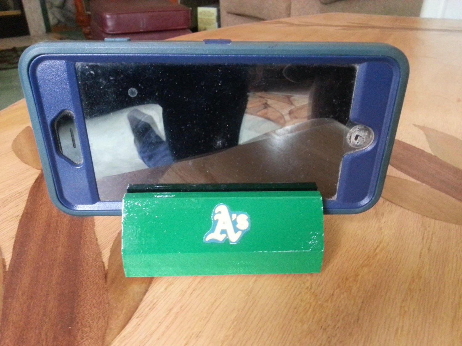 MLB cell phone stand wood docking station sports team business ...