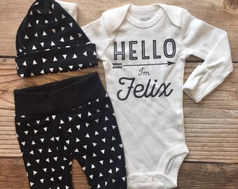 Black and White Triangle Newborn Boy Outfit, Coming Home Outfit, Going Home Outfit, Black and White, Baby Name Outfit, Baby Boy Gift, Baby