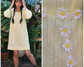 60s Pale Yellow Daisy Mini Dress, Spring Mod Long Sleeve Dress, Daisy Dress, Sz S/M