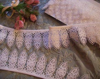 light and pretty lace vintage lace