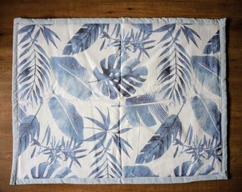 Baby play mat - watercolor botanical jungle leaves - blue and mintgreen