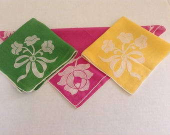 Vintage Handkerchiefs / Set of 3