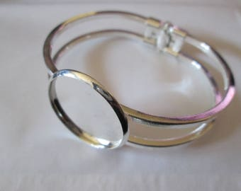 Silver plated bracelet hinged 25 mm cabochon