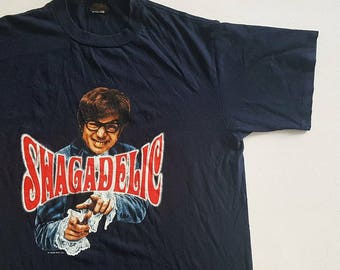 Vintage 1998 Austin Powers Shagadelic Shall We Shag Now or Shag Later? T Shirt size XL (W 24.5 x L 31.5)