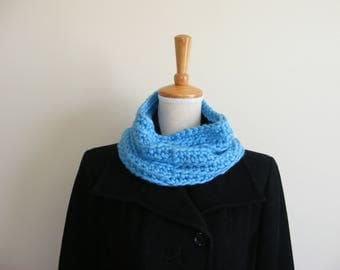 Light blue cowl