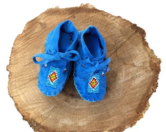 Native American Moccasins Beaded-Baby Soft Sole Shoes-Leather-Baby Shower Gift-Girl-Boy - BLUE