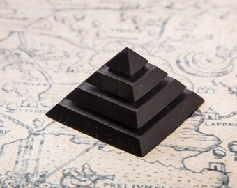 Shungite Pyramid 2*2 inch. (5*5 cm)& 7*7 inch (2,76 inch) Polished Pyramide Grooved EFM Protection Black Stone Healing For Root Chakra