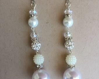 beaded earring ,dangle earring,light weight earring,white,pierced earring,earring,earrings,long earring,white earring,drop earring
