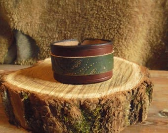 Bracelet leather cuff Brown and green Irish medieval hobbit (S size)