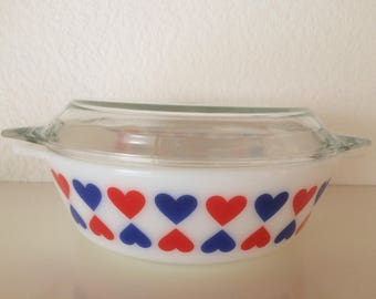 Rare Pyrex - blue and red hearts - Jaj England no 509
