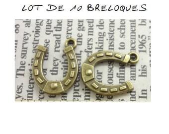 Set of 10 bronze (T39) good luck Horseshoe charms
