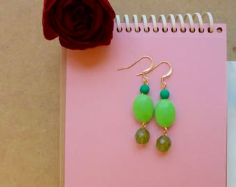 Dangle three green beads