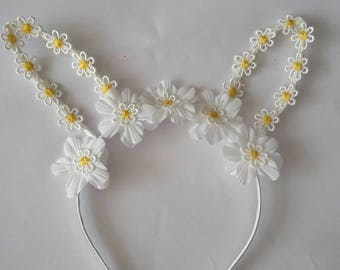 Children's decorative daisy bunny ears.