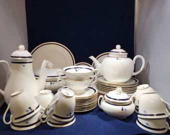 SIGNATURE Pattern by ROYAL WORCESTER, Fine Bone China, 1985-89