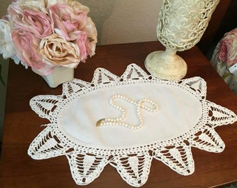 Beautiful Vintage White Oval Doily Crochet Edge