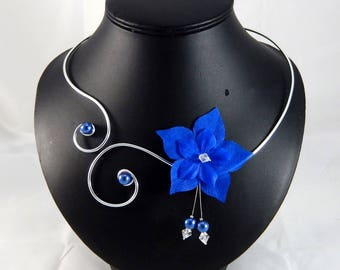 Eline - Royal Blue Flower necklace - personalized