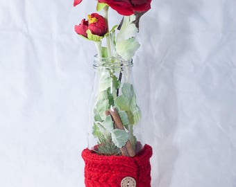 Christmas table décor with red ranunculus - floral arrangement with artificial flowers