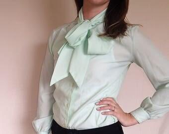 Lady Manhattan 70s mint bow tie blouse