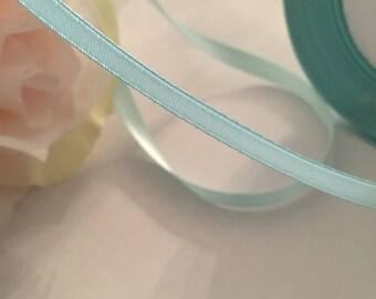 Rouleau de 25 Mètres de Ruban Satin Double Face Bleu Menthe, 6 mm