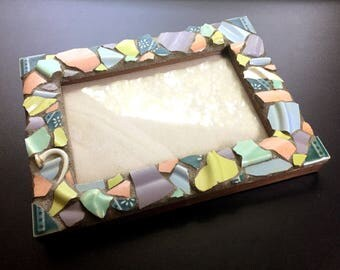 Mosaic Picture or Photo Frame Covered in Broken China Shards – 4x6