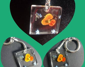 Keychains with real petal real flower key ring!
