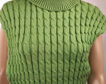 Cape en laine, Poncho en laine, Pull en laine, Pull poncho, Cape tricoté, Poncho tricoté , Poncho vert ,Fabriqué en France, cape femme