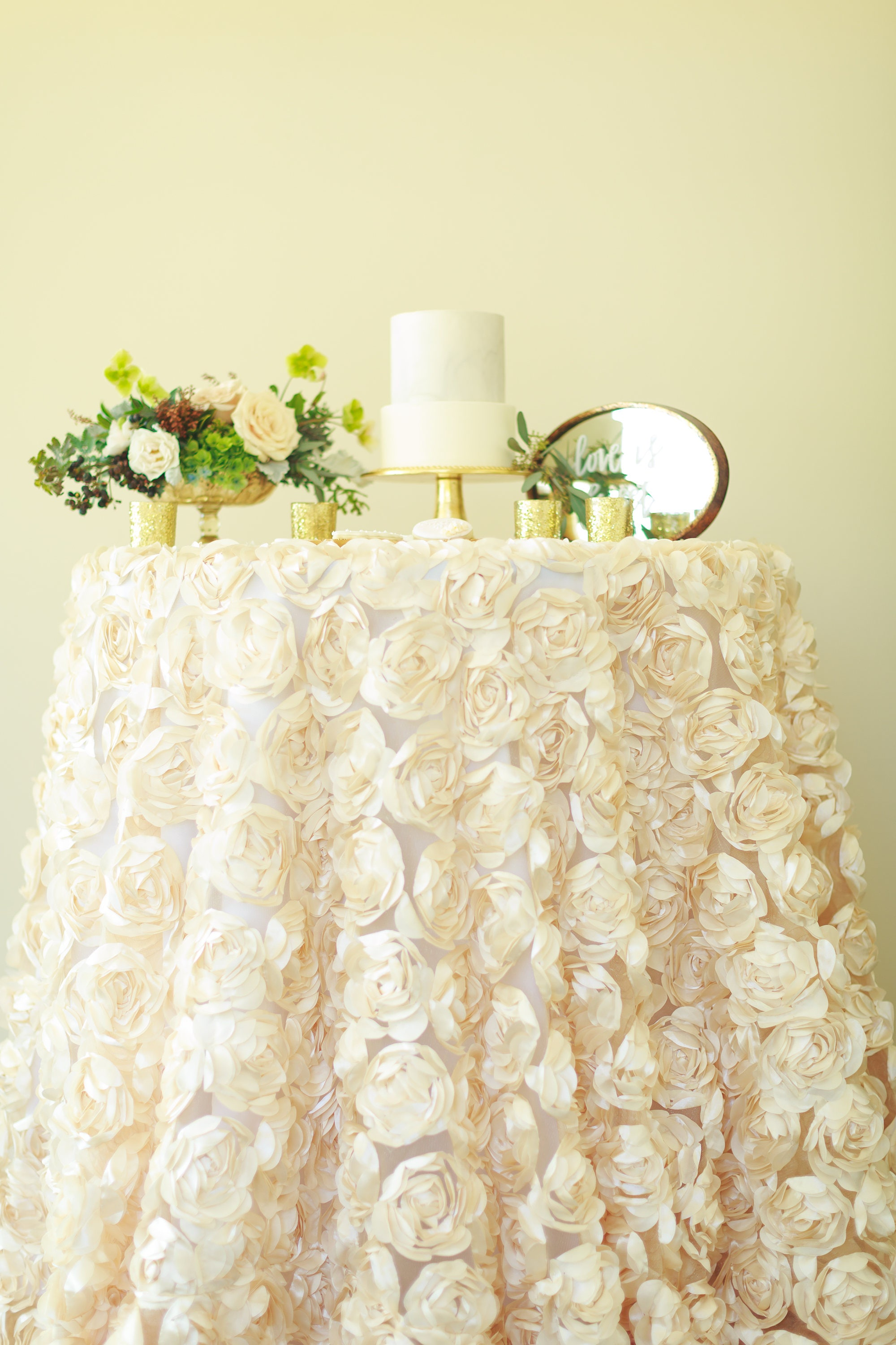 Rosette tablecloth | rosette table linen | rosette table overlay ...