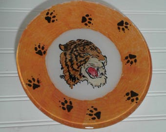 Hand Painted Tiger On Plate, Bengal Tiger Painting, Painting on Glass, Tiger With Paw Prints, Treat Dish, Glass Plate, Low Shipping Cost