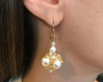 Beaded pearl earring, wedding earring, bridal