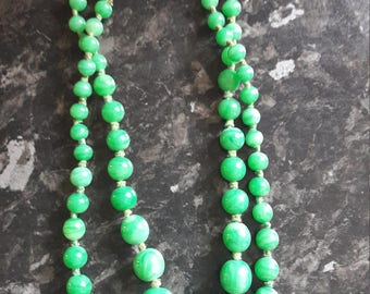 1940s jade hand knotted necklace