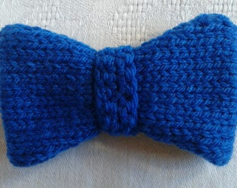 This bow tie blue hard to the needle