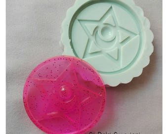 Flexible mold brooch Sailor Moon