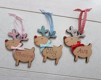 Personalised Reindeer Christmas Tree Decoration New Baby Gift First 1st 2017 Girl Boy Pink Blue Mum Dad Sister Brother Nan Grandad any name