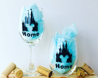Disney castle, disney home, Disney Wine Glass, Customizable Wine Glass, Personalized Wine Glass, Gifts for Her