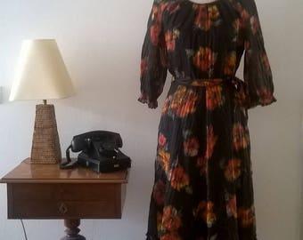 Gorgeous vintage dress, 70 's. size 44