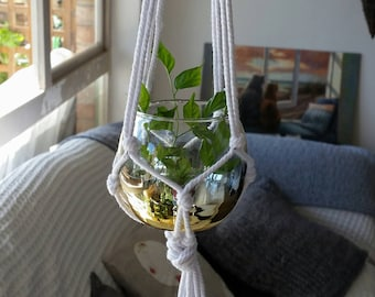 Hanging tealight candle holders