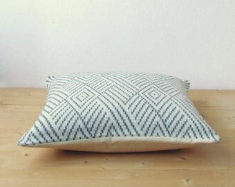 Knitted graphic pillow cover / wool decorative cushion cover / Geometric pillow cover / minimalist home decor