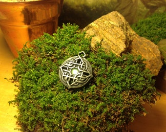 Green and Silver Celtic Knot Pendant Necklace