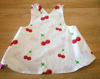 "Apron in the back ""cherries"""