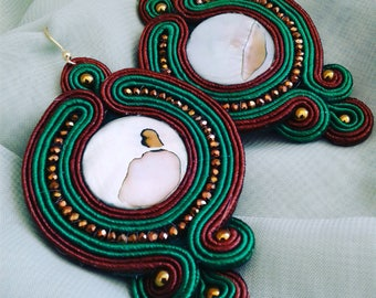 Hand embroidered earrings. Wear or give away l thrill of a jewel created with heart