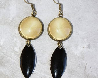 Earrings cabochon and bronze sequin