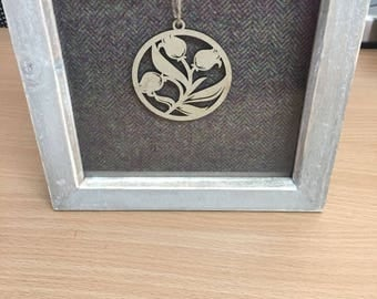 Real wool deep framed picture with wooden flower insert