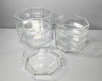 Vintage Arcoroc Bowl Set
