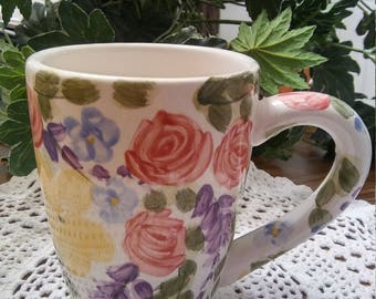 Valentino coffee mug Floral multi-colored flowers table tops Unlimited RARE