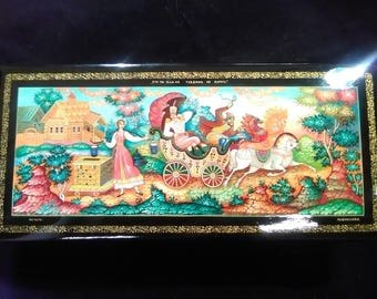 """Russian Lacquered Trinket Box, """"Horse Carriage"""""""