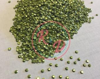 Wholesale Korean Peridot Hotfix 4mm RhineSTUDS