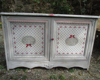 """Revamped old furniture """"Shabby! Scrunchie, put everything away"""""""