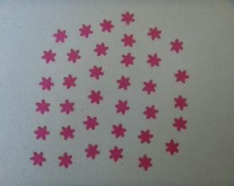 Cuts set of 36 mini flowers in fuchsia for creating drawing paper