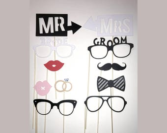 "Lot 11 photobooth ""Mr & Mrs"" wedding accessories"