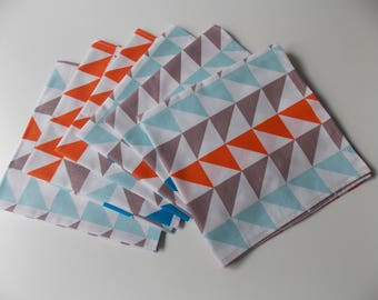 Set of 6 napkins with a geometric pattern
